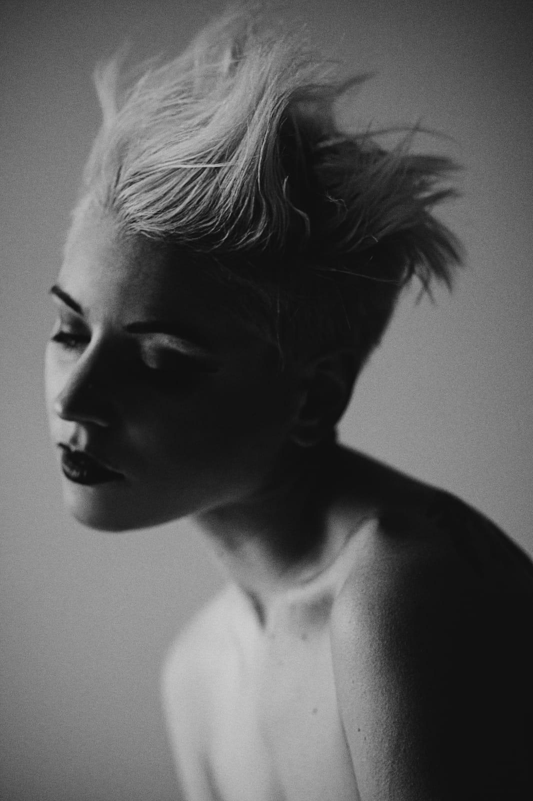 Barva + foukaná - krátké vlasy