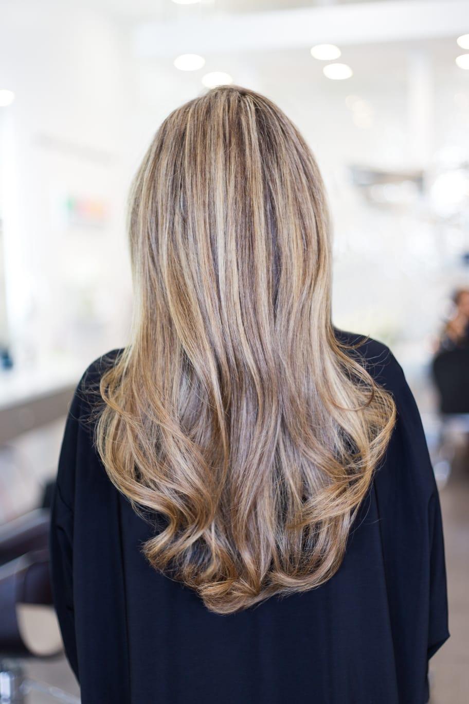 Melír + střih - dlouhé vlasy