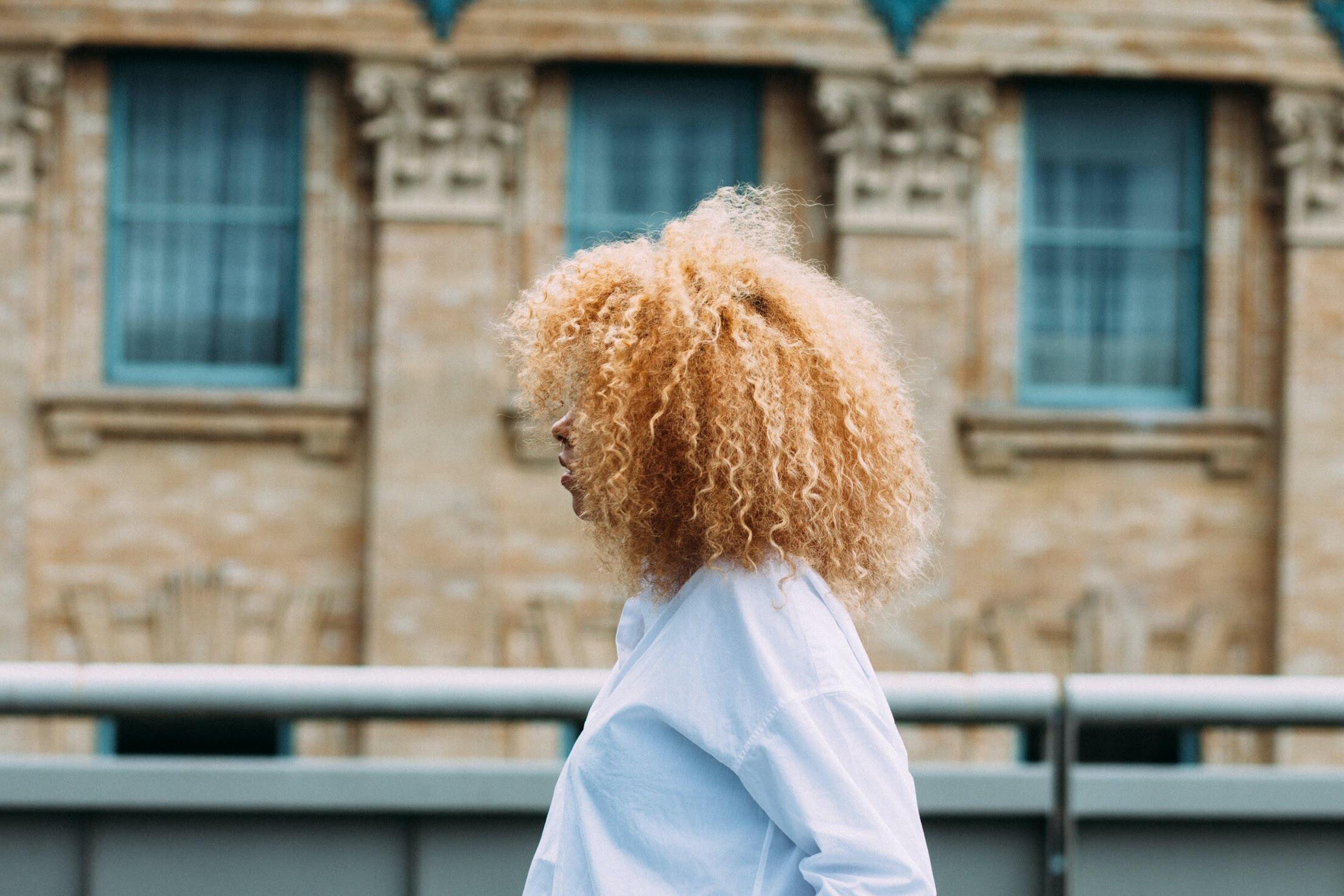 Trvalá krátké vlasy - 900 Kč