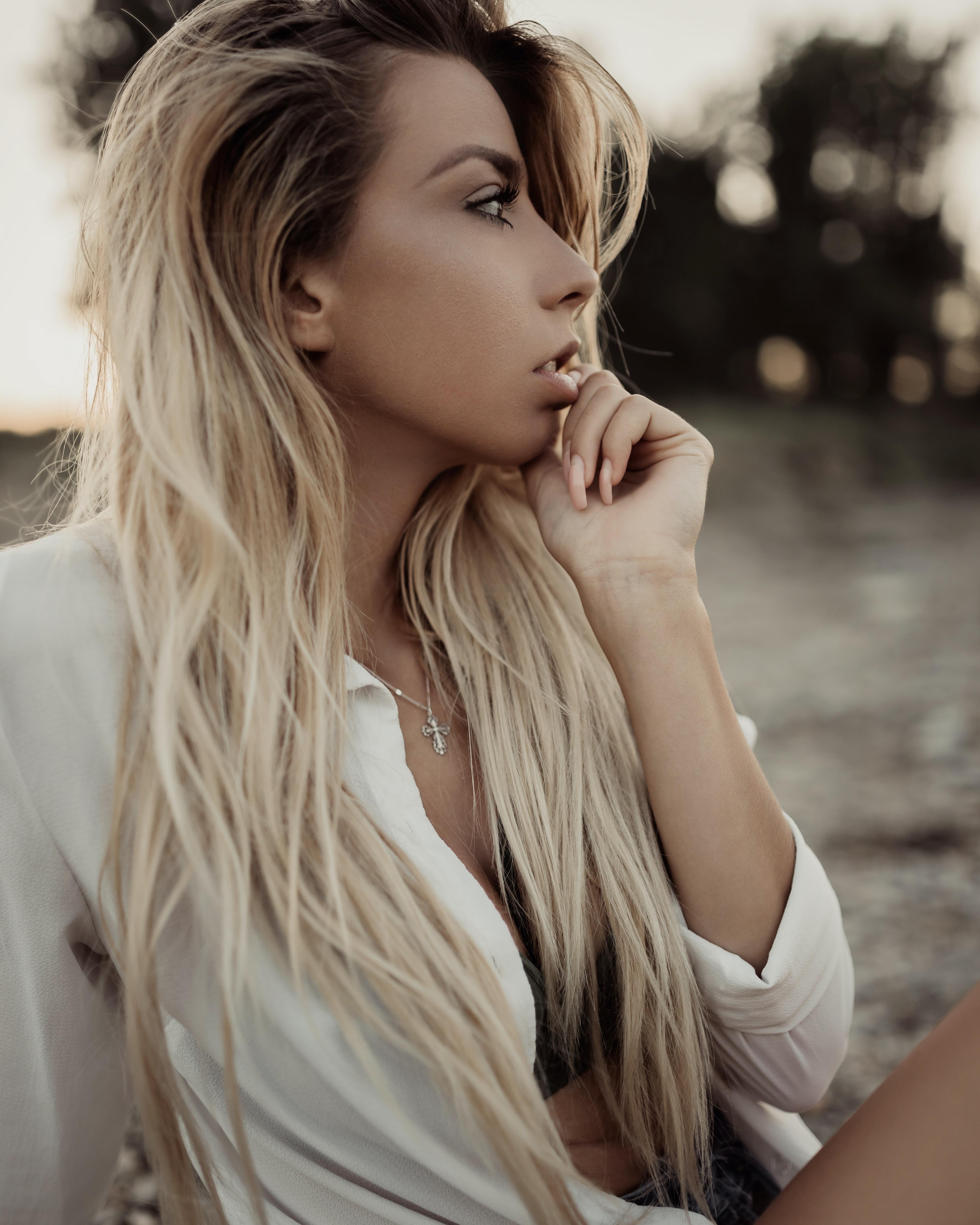 Melír+toner+střih+foukaná -  dlouhé vlasy - 2500 Kč