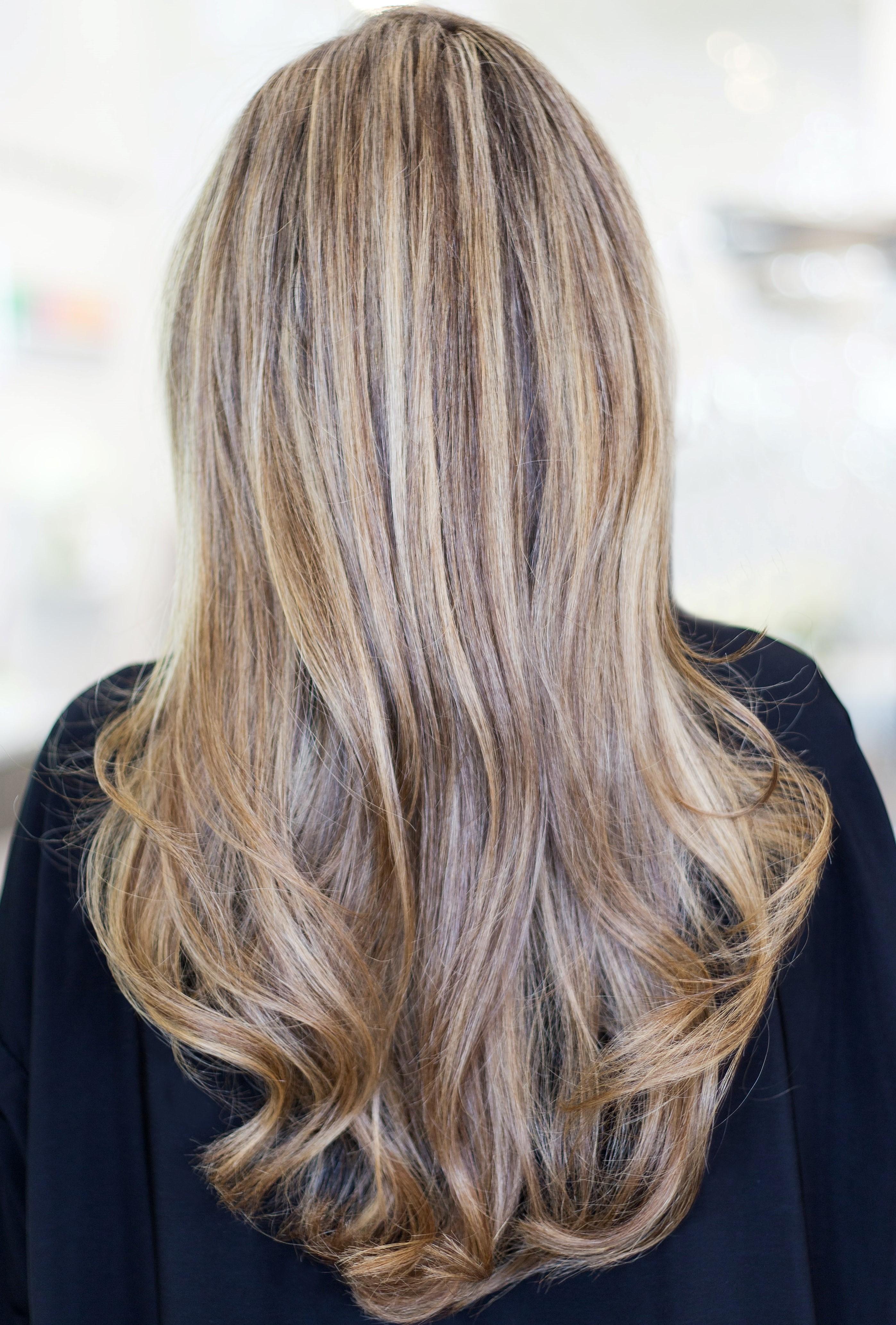 Melír + střih - dlouhé vlasy - 1900 Kč