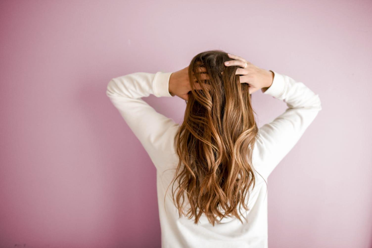 Kalifornská balayage - polodlouhé vlasy