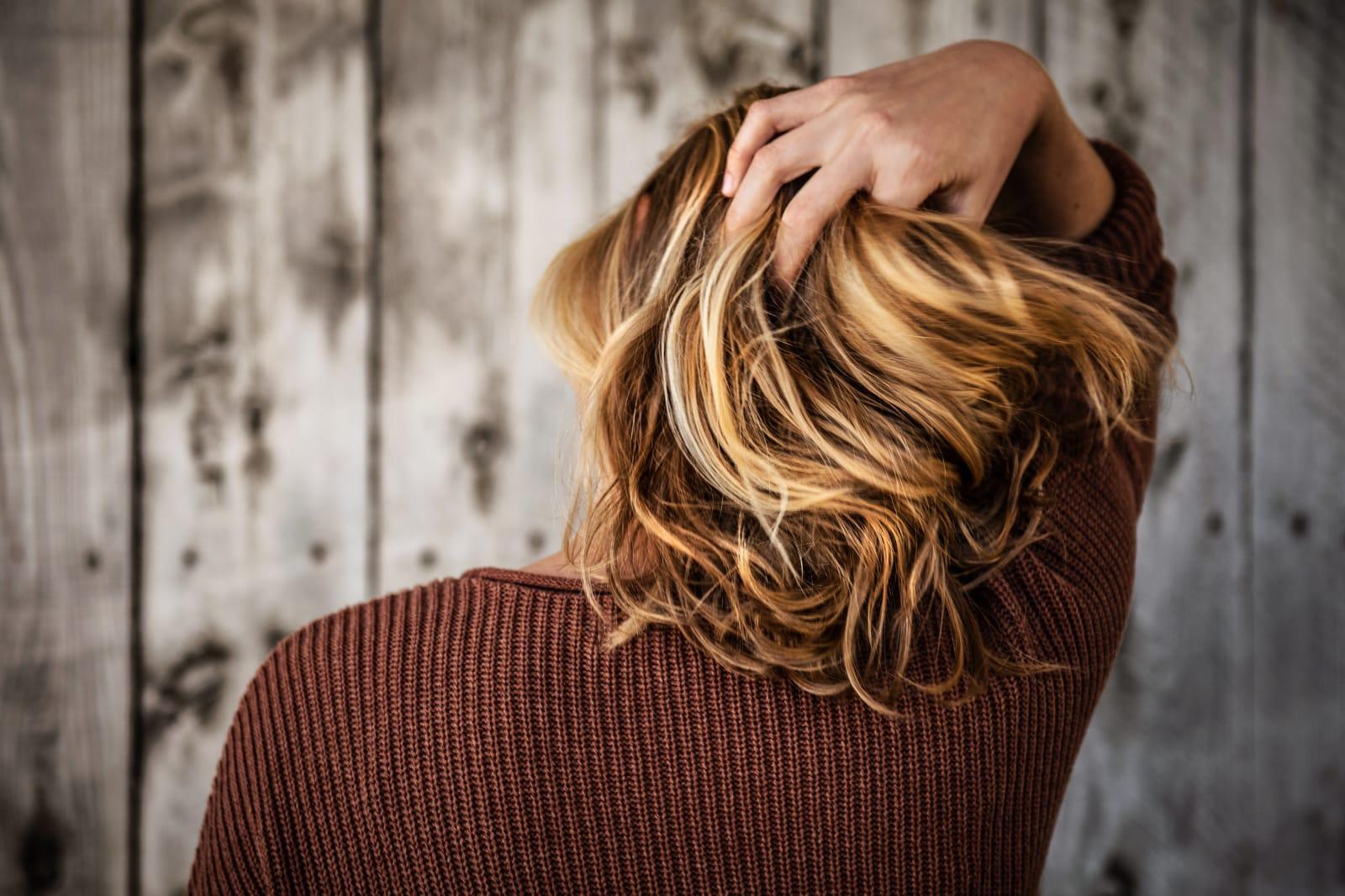 Melír+toner+foukaná - polodlouhé vlasy