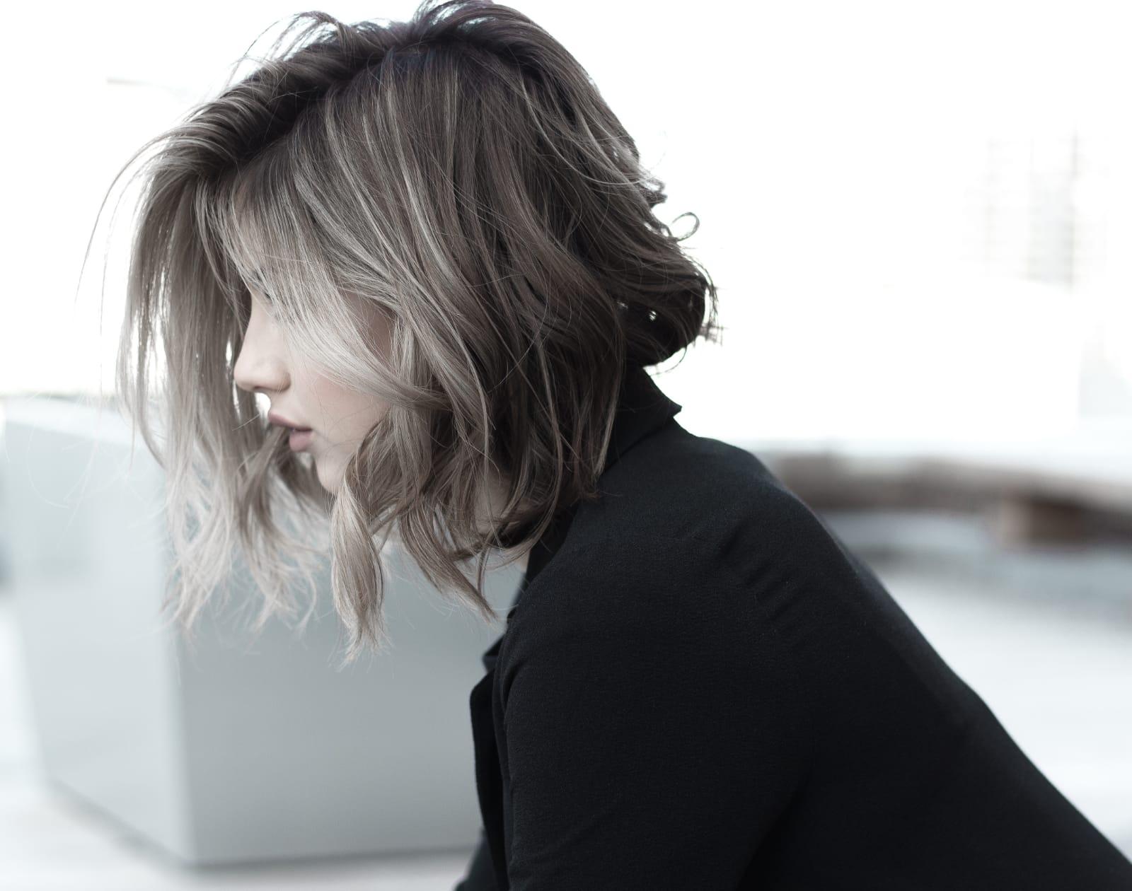 Melír+toner+střih+foukaná -  polodlouhé vlasy