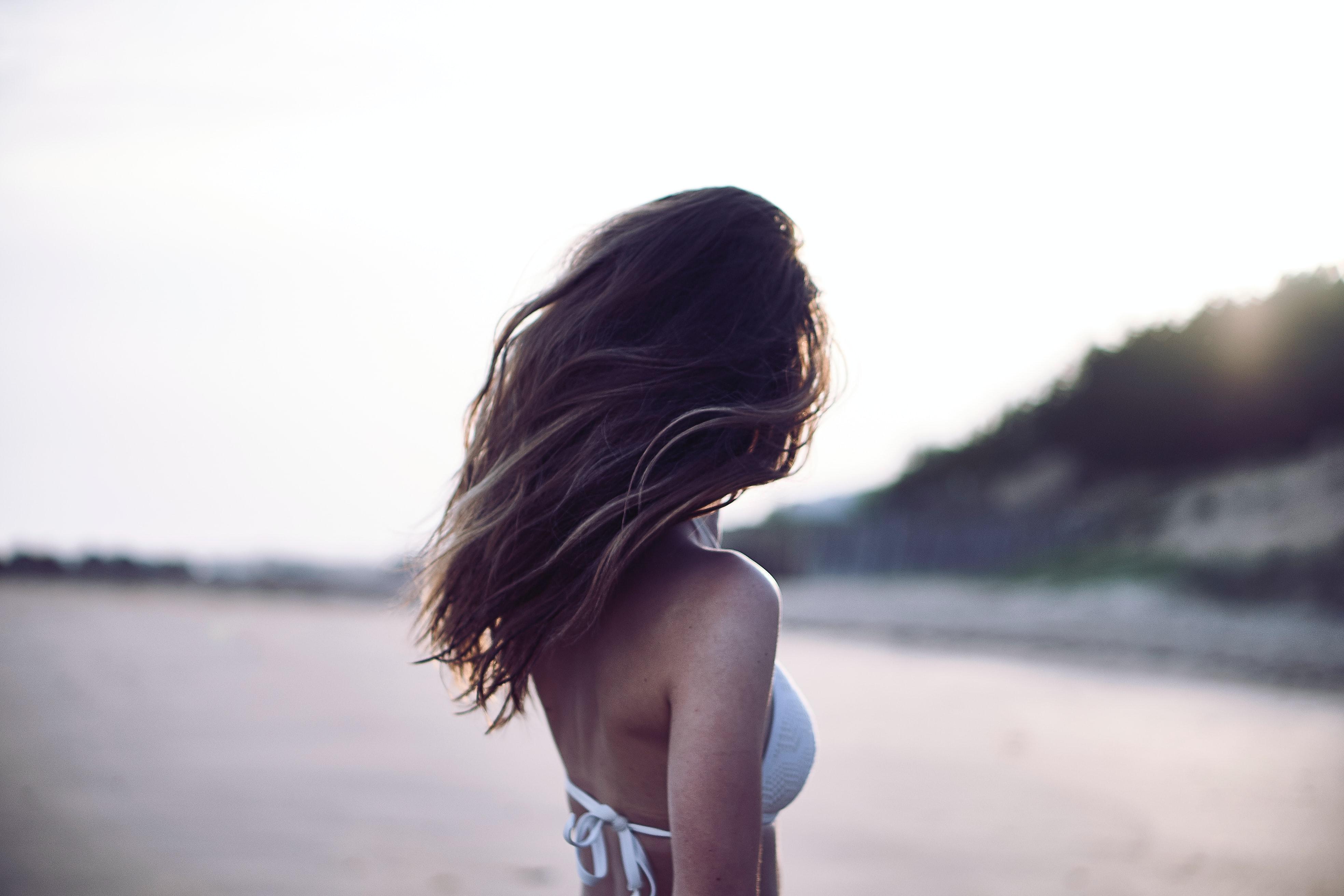Foukaná - polodlouhé vlasy - 400 Kč